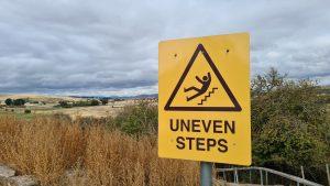Uneven Steps Sign